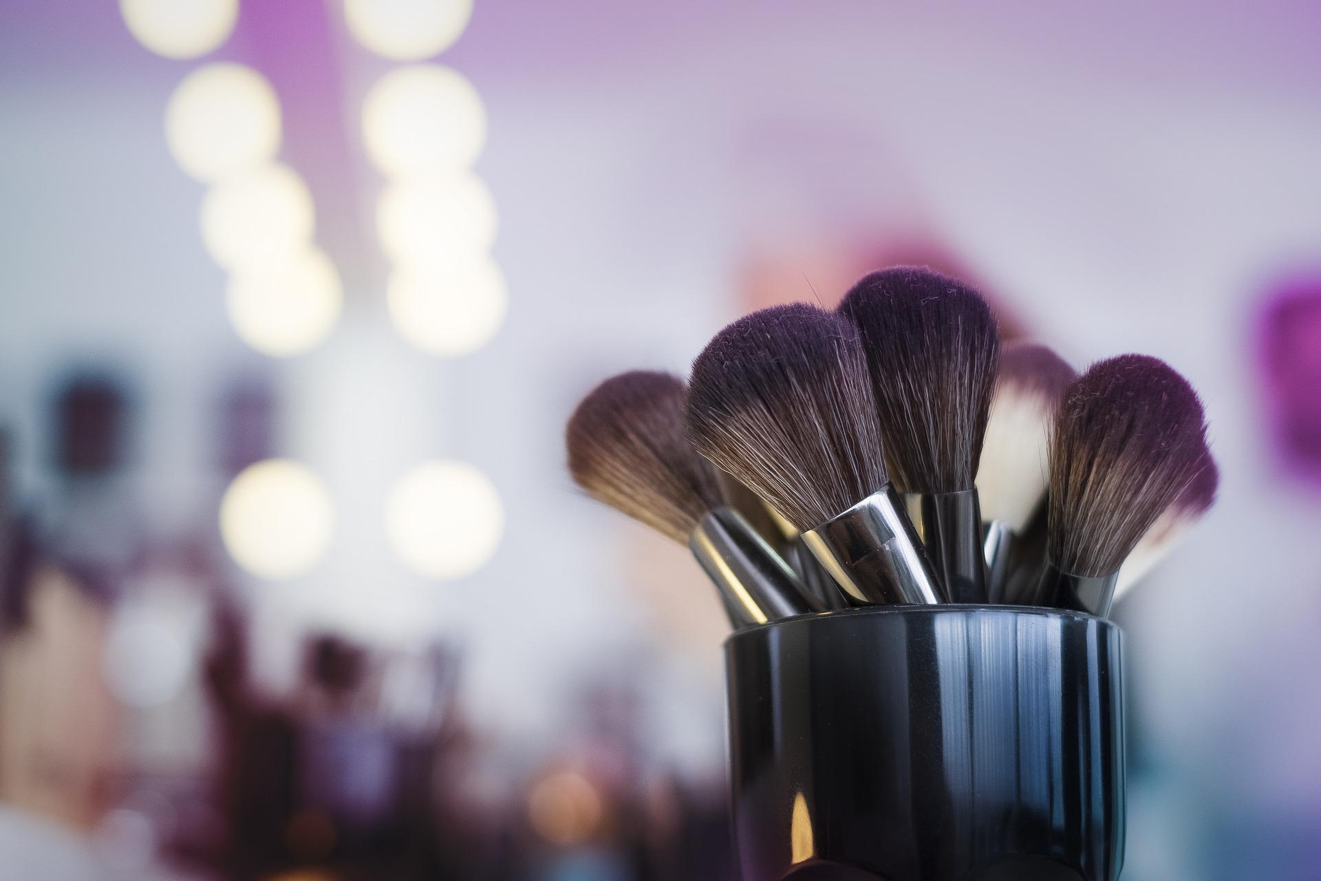 20 Genius Makeup Hacks