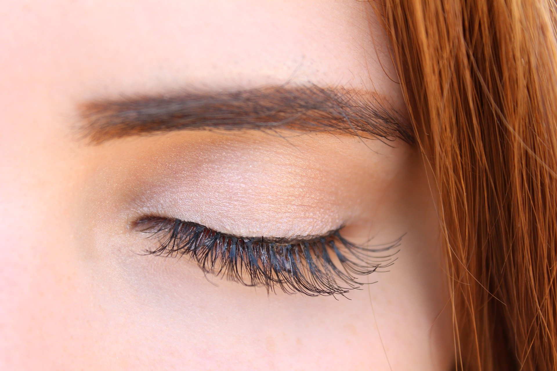 7 Tips to Help You Find the Best Mascara